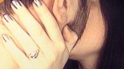 Cette photo de fiançailles est...