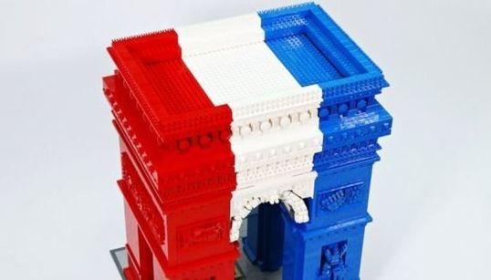 Un Arc de Triomphe en Lego bluffant (et très