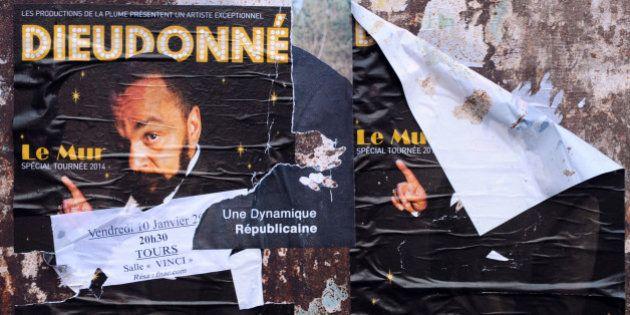Tours et Paris: nouvelles interdictions du spectacle de
