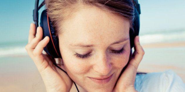 Comment le son de notre propre voix influence nos