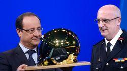 Hollande cajole les