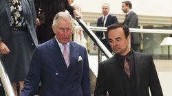 Pourquoi ce patron portait des faux sourcils quand il a rencontré le prince