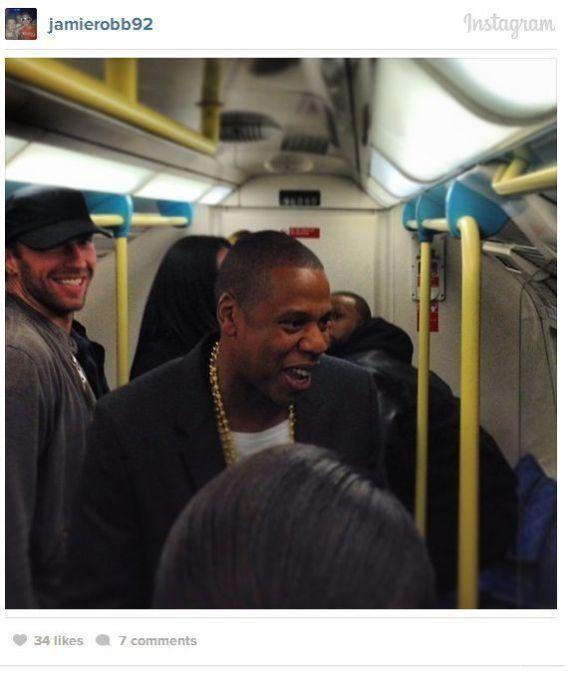 PHOTOS. Jay Z prend le métro londonien pour se rendre à un
