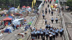 Evacuation des manifestants pro-démocratie à Hong