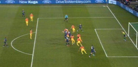 PSG-Barcelone: le Barça pourrait porter plainte contre l'arbitre, Wolfgang
