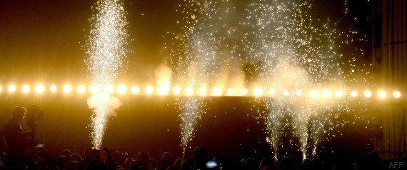 VIDÉO. Kanye West met (littéralement) le feu aux Billboard