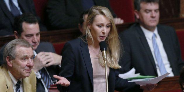 Marion Maréchal-Le Pen demande au PS de sanctionner un collaborateur qui l'a insultée dans un