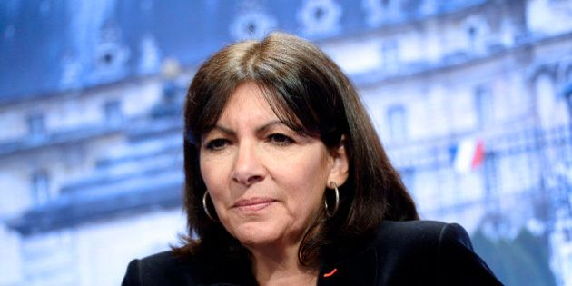 Anne Hidalgo soutient Jacqueline Sauvage, condamnée à dix ans de prison pour avoir tué son mari