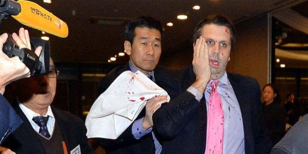 L'ambassadeur américain en Corée du Sud Mark Lippert blessé au couteau par un nationaliste