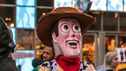 Un homme déguisé en Woody de Toy Story arrêté pour agression