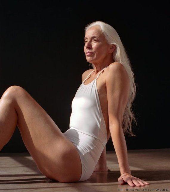 PHOTOS. À 60 ans, Yasmina Rossi est mannequin pour des maillots de bain (et