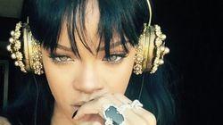 Le dernier album de Rihanna est terminé, elle l'écoute dans un casque à plus de 8000