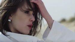 Marina Kaye plus femme que jamais dans le clip du tube signé