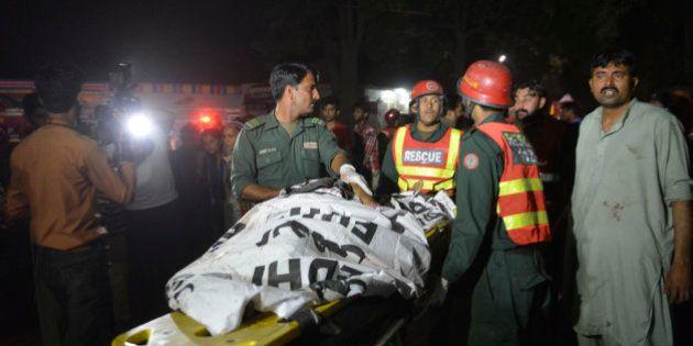 Au moins 65 morts dans un attentat-suicide à Lahore, au