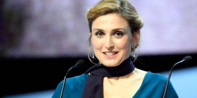 Festival de Cannes 2015: Julie Gayet dément s'être fait refouler d'une boîte de