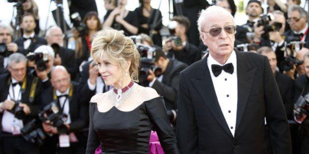 PHOTOS. Michael Caine et Jane Fonda rayonnent lors de la montée des marches à