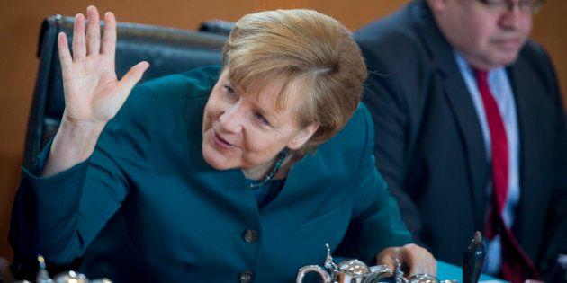 Conférence de presse de Hollande : Berlin, Bruxelles et The Economist plébiscitent le tournant libéral...