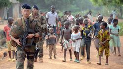 Insultes ou baisers, le nouveau quotidien des soldats français en