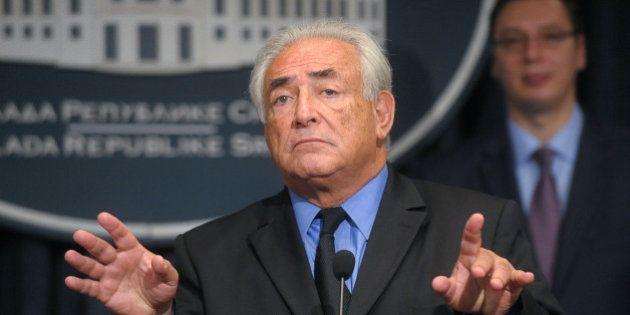 Sofitel: DSK poursuit en diffamation Régis Jauffret, auteur de