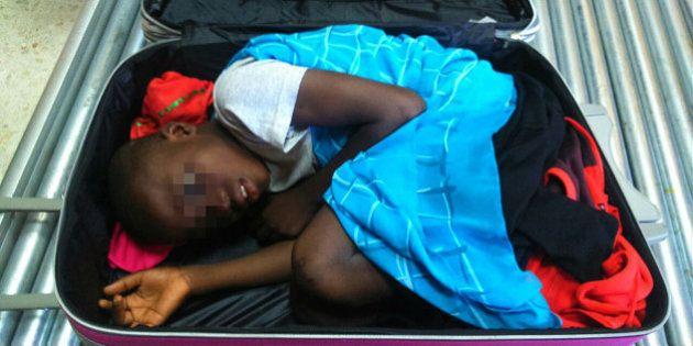 Immigration clandestine: l'enfant caché dans une valise va retrouver sa