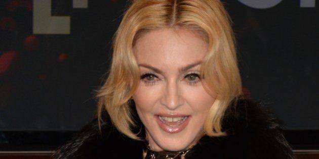 Madonna se blesse au pied en dansant en