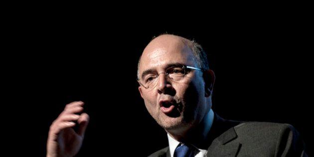 Affaire Cahuzac: Bercy savait selon Valeurs actuelles, Pierre Moscovici porte plainte