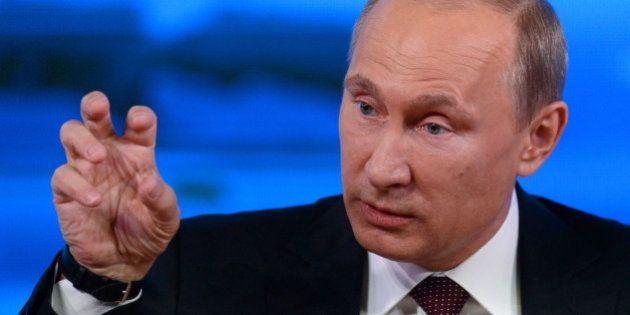 Poutine aux homosexuels: