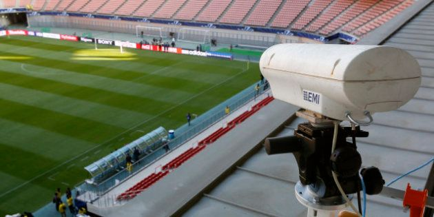 La vidéo dans le football, avec le Hawk-Eye, arrive en Angleterre: évolution nécessaire ou gadget