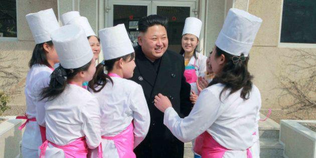 PHOTOS. Quand Kim Jong-un s'affiche avec ses admiratrices en