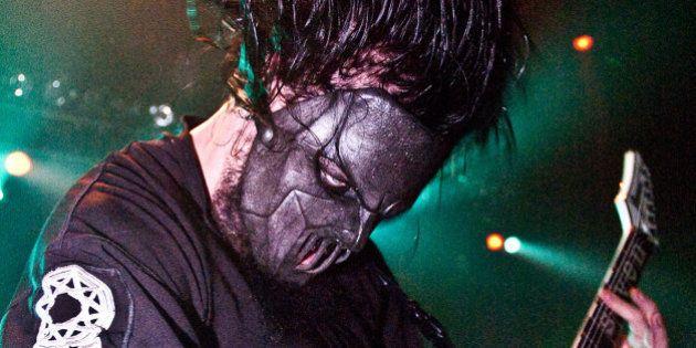 Mick Thomson, le guitariste de Slipknot, blessé au couteau par son frère lors d'une