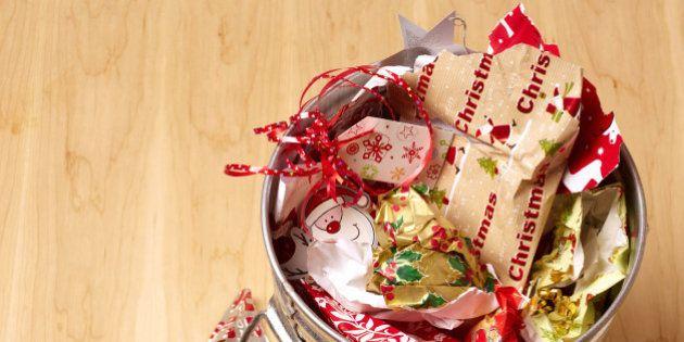 Joyeuses Fêtes: comment éviter le gaspillage à Noël ? Du choix du sapin aux mets sur la table en passant...