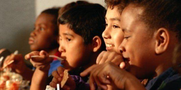 Cantines scolaires pour tous: les députés adoptent une loi contre les discriminations