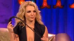 Britney manie le fouet à toutes les