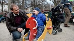 Congé parental : les députés votent une réforme en faveur des