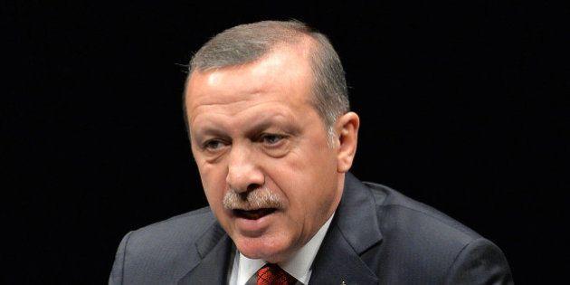 Censure en Turquie : après Twitter, le gouvernement bloque l'accès à