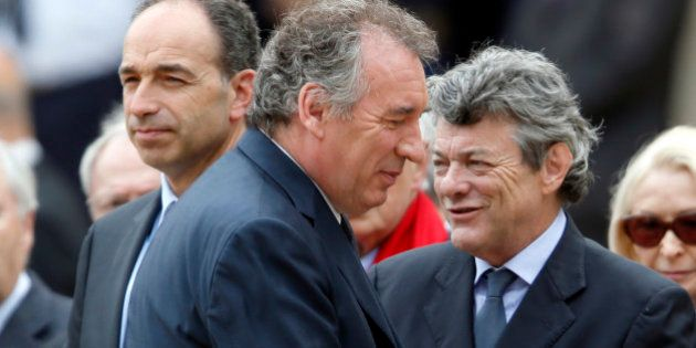 Bayrou / Pau: Copé contraint de se justifier sur le soutien de l'UMP, la révolte