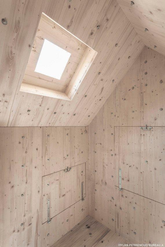 PHOTOS. Une cabane en bois camouflée en rocher dans les Alpes