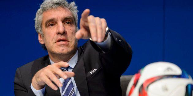 La Fifa affirme que l'élection de vendredi est maintenue et que Sepp Blatter n'est pas impliqué dans...