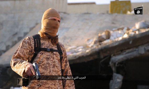 Un jihadiste profère des menaces en français dans une vidéo d'exécution de