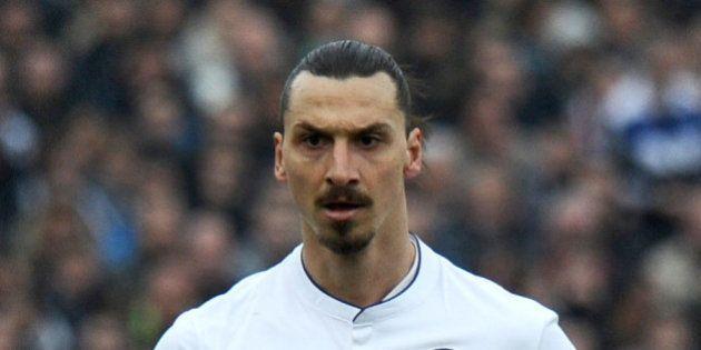 Les réactions face à Zlatan Ibrahimovic qui insulte un arbitre et la France,