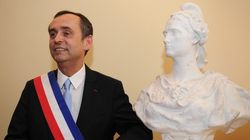 La justice autorise Robert Ménard à garder sa crèche à la mairie de