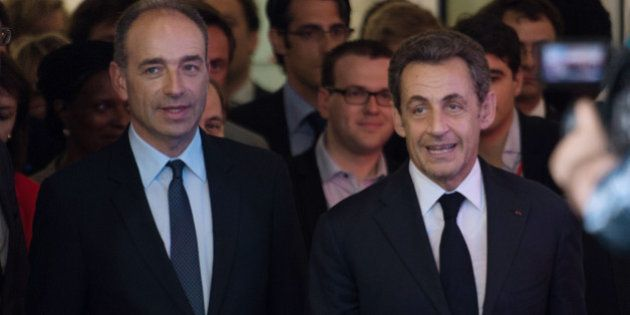 Droit du sol : les proches de Sarkozy forcés de jouer les