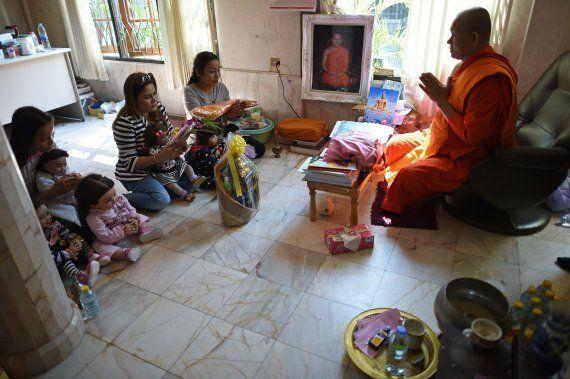En Thaïlande, des poupées considérées comme des