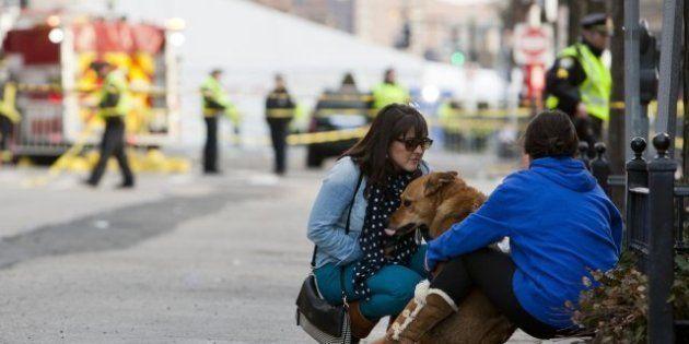 Elan de solidarité et émotion à Boston après les explosions survenues sur le