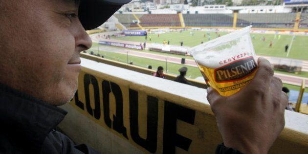 La bière alcoolisée sera autorisée dans les gradins de la finale de la Coupe de la Ligue pour