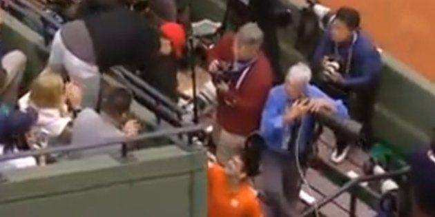 VIDÉOS. Roland-Garros: Novak Djokovic va saluer Zlatan Ibrahimovic après sa victoire sur Gilles