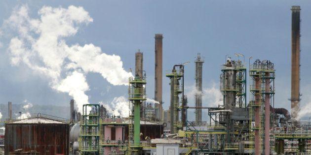 Reprise de Petroplus: les deux offres rejetées par le tribunal, Montebourg jette