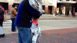 Boston: La photo des retrouvailles d'un couple fait le tour du