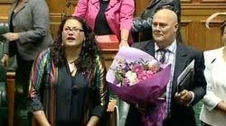 Émotion au parlement néo-zélandais pour l'adoption du mariage