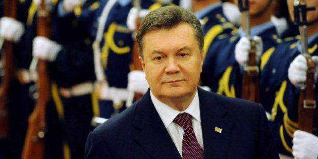 Ukraine : le président Ianoukovitch annonce un remaniement et l'amendement des lois